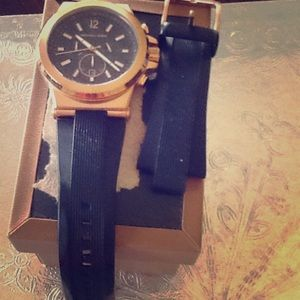 Beautiful gold with rubber Michael KORS